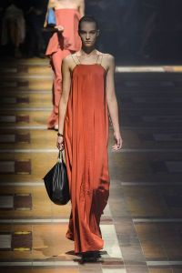 tendance-couleur-orange-lanvin-printemps-ete-2015_5104608