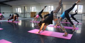 Seance-de-danse-et-yoga_large